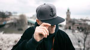 How to Wear a Snapback Forwards?